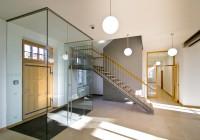 Endter Architektur nach Denkmalschutzsanierung: Gerichtsgebäude bei München: Eingangssituation