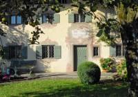 Endter Architektur nach Denkmalschutzsanierung: altes Handwerkerhaus in Prien am Chiemsee, Hauszugang