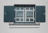 Endter Architektur nach Denkmalschutzsanierung: Ruckteschell-Künstlervilla in Dachau bei München, Fensterdetail