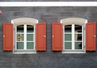 Endter Architektur nach energetischer Sanierung: Alstadthaus, Fensterdetail Erdgeschoss