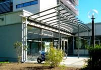 Endter Architektur nach energetischem Sanieren: Bürogebäude aus den 1960er-Jahren, Eingangssituation