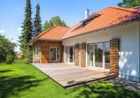 Endter Architektur nach energetischer Sanierung: alte Villa, Terrassenneubau