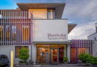 Gewerbebau vom Architekturbüro Endter, Dachau: Geschäftshaus mit Büro- und Ausstellungsräumen