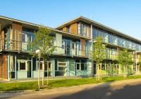 Endter Architektur im öffentlichen Bau: Neubau eines Amtsgebäude bei München, Seitenansicht